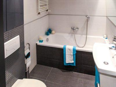 apartment-bath-bathroom-bathtub-358592