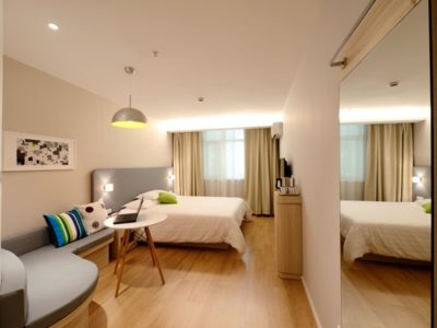 apartment-bed-bedroom-chair-271624